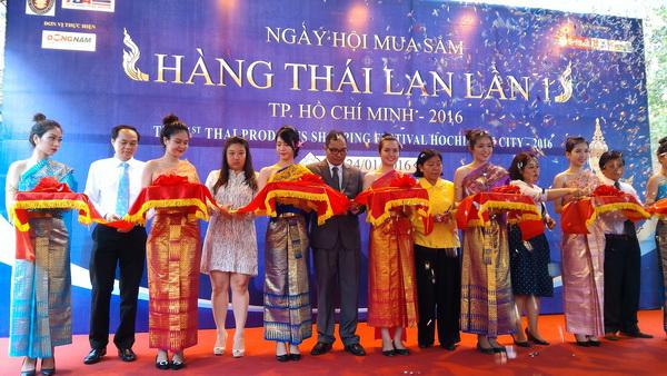 Lễ khai mạc Hội chợ hàng Thái Lan lần 1 - Ảnh: T.N