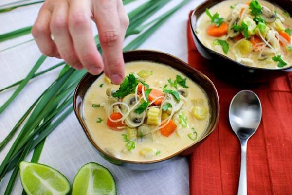 canh gà Thái Lan