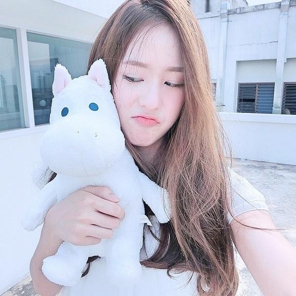gioi-tre-viet-chuyen-huong-me-tit-phong-cach-cua-loat-hot-girl-thai-lan (34)