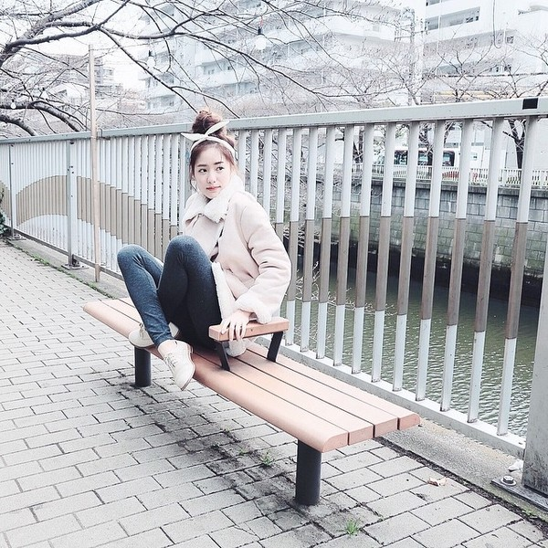 gioi-tre-viet-chuyen-huong-me-tit-phong-cach-cua-loat-hot-girl-thai-lan (40)