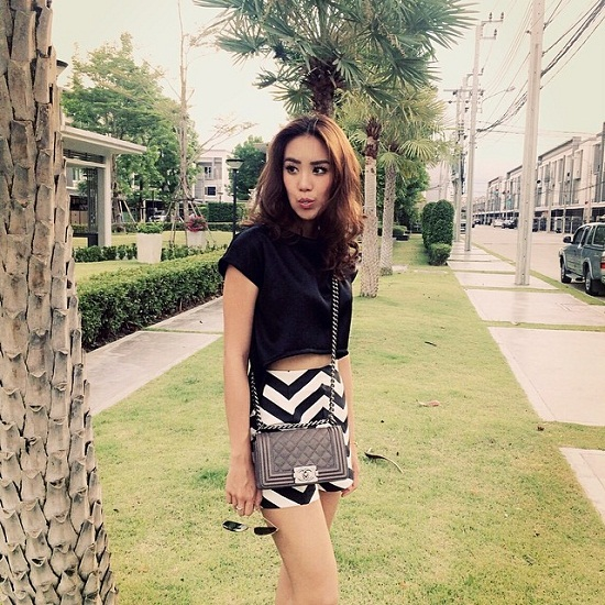 xi-tai-dep-me-toi-cua-nu-ca-si-9x-hot-nhat-thai-lan (19)