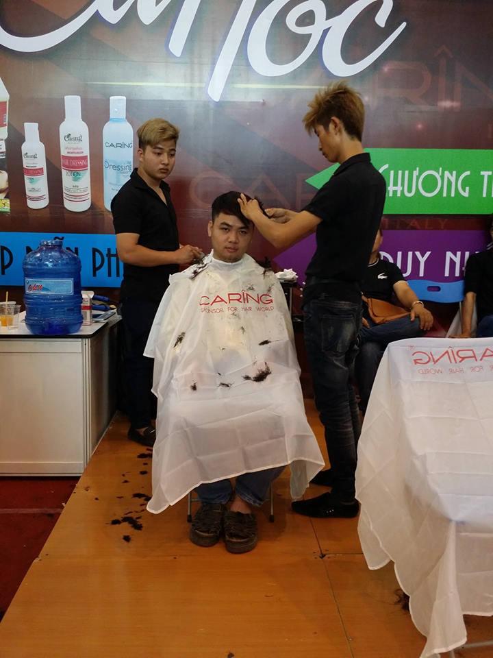 Cắt tóc miễn phí tại hội chợ Thái Lan