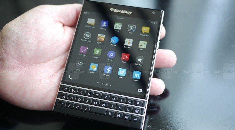 blackberry-passport-1_2