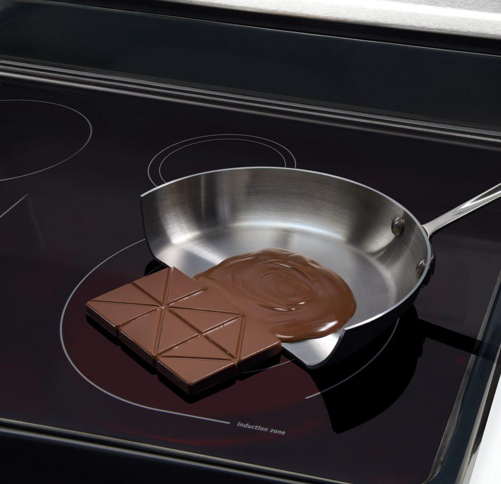 Bếp từ Bosch chỉ nóng phần đáy nồi & vùng nấu trong khi những phần khác vẫn mát lạnh